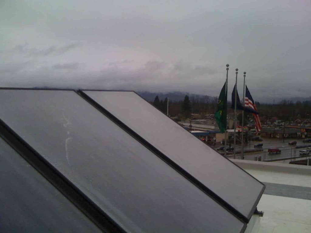 University of Oregon Ford Alumni Solar Thermal Project